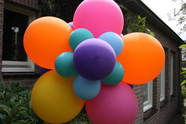 ballonbloem leer je tijdens workshop ballondecoratie 2021