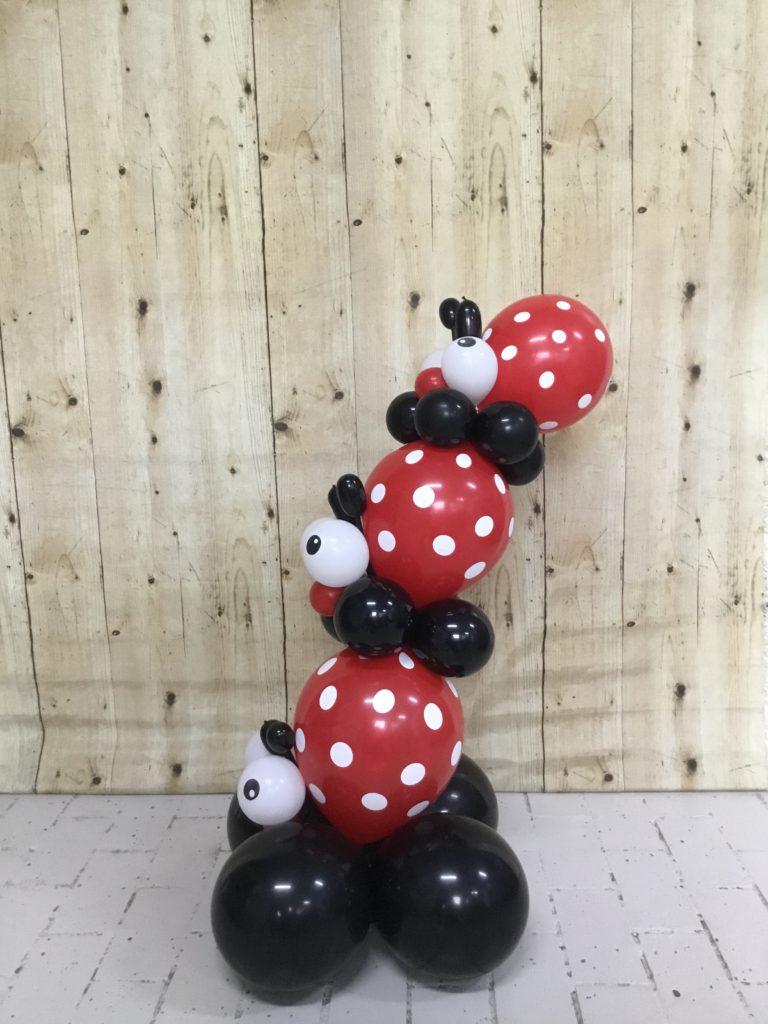 stapeltje lieveheersbeestjes ballonnen
