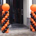 Ballonpilaar in zwart en oranje